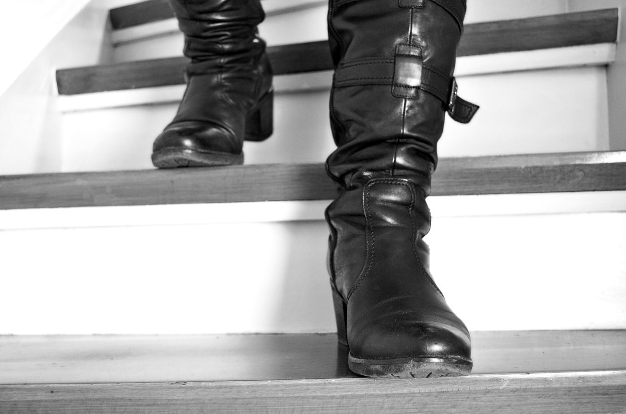 Stairs Boots Leather Boots Go Down  - KlausHausmann / Pixabay