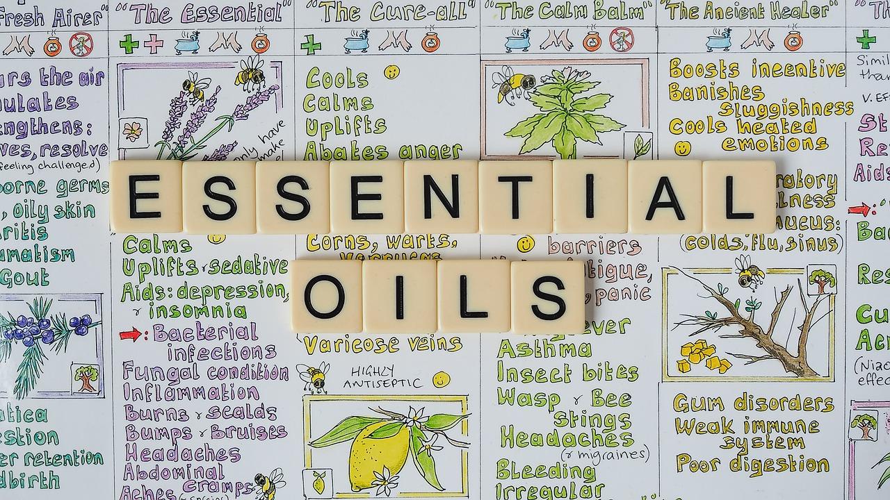 Essential Oils Oil Aromatherapy  - lifestylehack / Pixabay