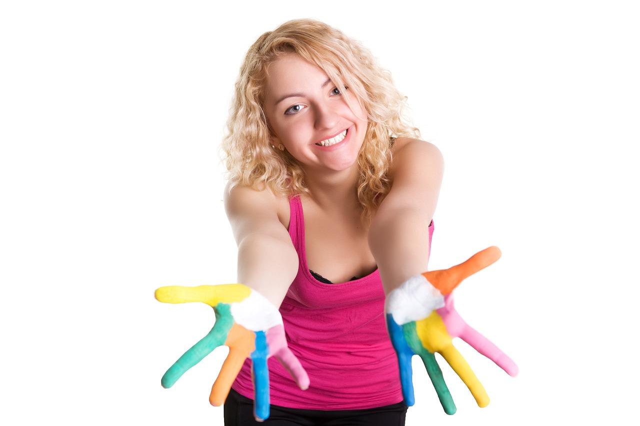 Girl Hands Fingers Craft Happy  - Keen_eye / Pixabay